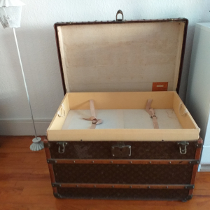 MALLE COURRIER 2 CHASSIS VUITTON